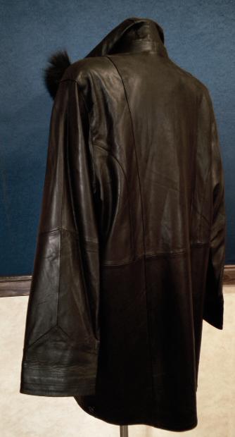 7baee8d10de Kompletní specifikace. Kožený dámský kabát černý - poslední kus.